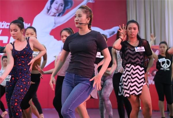Khánh Thi giản dị hướng dẫn thí sinh So you think you can dance mùa 5 - Tin sao Viet - Tin tuc sao Viet - Scandal sao Viet - Tin tuc cua Sao - Tin cua Sao