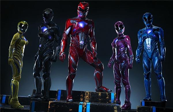 ...trong thân phận 5 Anh Em Siêu Nhân,Power Ranger.