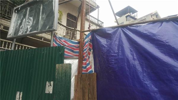 Hiện công an quận Hoàng Mai cũng đã vào cuộc điều tra tìm nguyên nhân vụ tai nạn.
