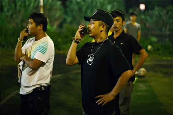 """Cuối năm ngoái, Việt Max đã khiến công chúng vô cùng bất ngờ khi giới thiệu tác phẩm điện ảnh đầu tay của mình trong vai trò đạo diễn cùng bộ phim """"Yêu""""."""