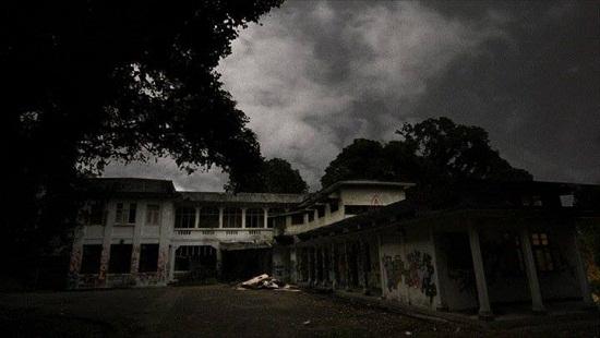 Old Changi Hospital là một trong những nơi nổi tiếng nhất Châu Á về lời đồn ma ám và những hồn ma lởn vởn về đêm.