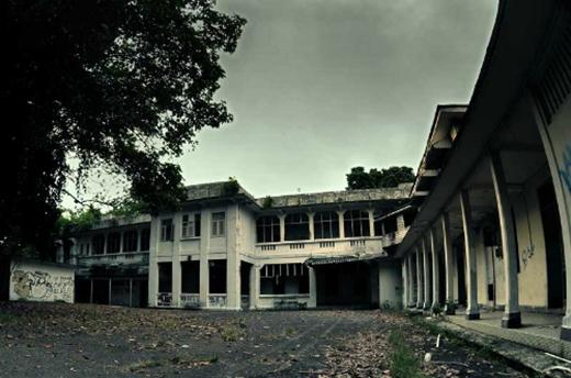 Bệnh việnnổi tiếng với những lời đồn đại cho rằng đây chính là nơi trú ngụ của những linh hồn ma quỷ bị chết oan trong cả thời chiến lẫn thời bình.