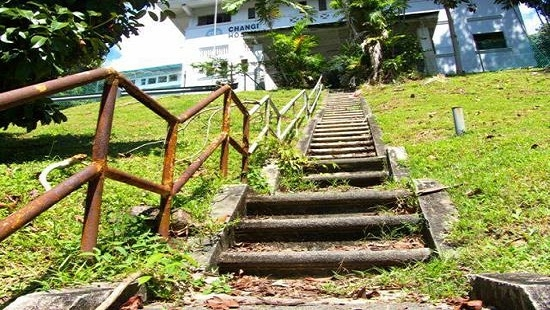 Old Changi Hospital thu hút khách du lịch ưa mạo hiểm bởi những lời đồn ma ám của mình, thậm chí nơi này còn được dựng thành phim.