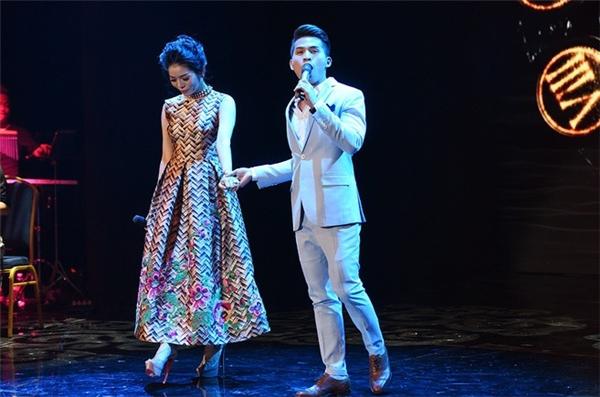 Tú Dưa tiếc nuối khi không thể cầm mic trên sân khấu - Tin sao Viet - Tin tuc sao Viet - Scandal sao Viet - Tin tuc cua Sao - Tin cua Sao
