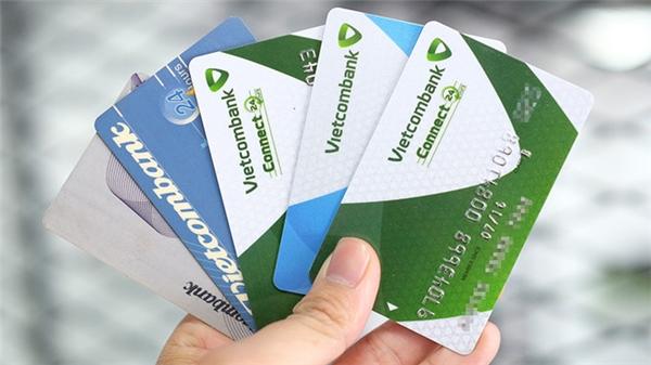Hàng loạt thẻ ATM của Vietcombank bị khóa mà không rõ nguyên nhân. (Ảnh: internet)