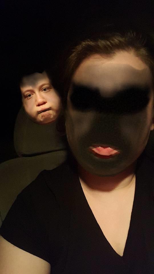 Muốn biết gương mặt ma quỷ trông như thế nào, hãy sử dụng Snapchat... (Ảnh: Internet)