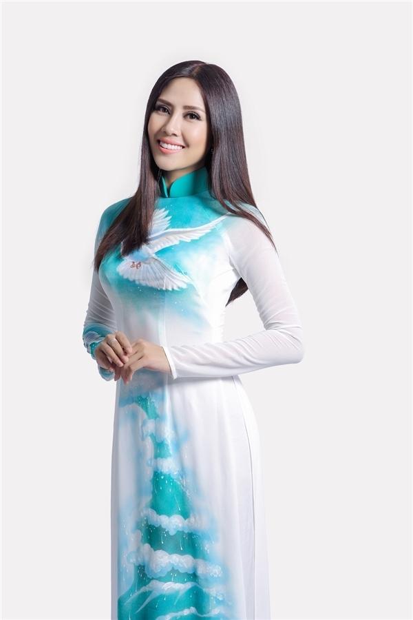 Tỉnh bạn giữa Diệu Ngọc và Nguyễn Thị Loan nảy nở từ khi cả hai tham gia Hoa hậu Hoàn vũ Việt Nam 2015.