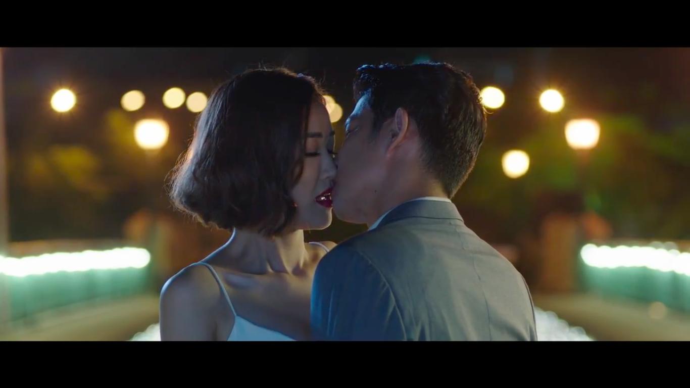 Huy Khánh làm tuyết rơi giữa mùa hè Sài Gòn để cầu hôn Maya