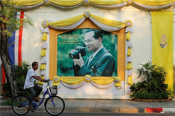 Ở Thái Lan, thần tượng là Quốc vương. (Ảnh: Internet)