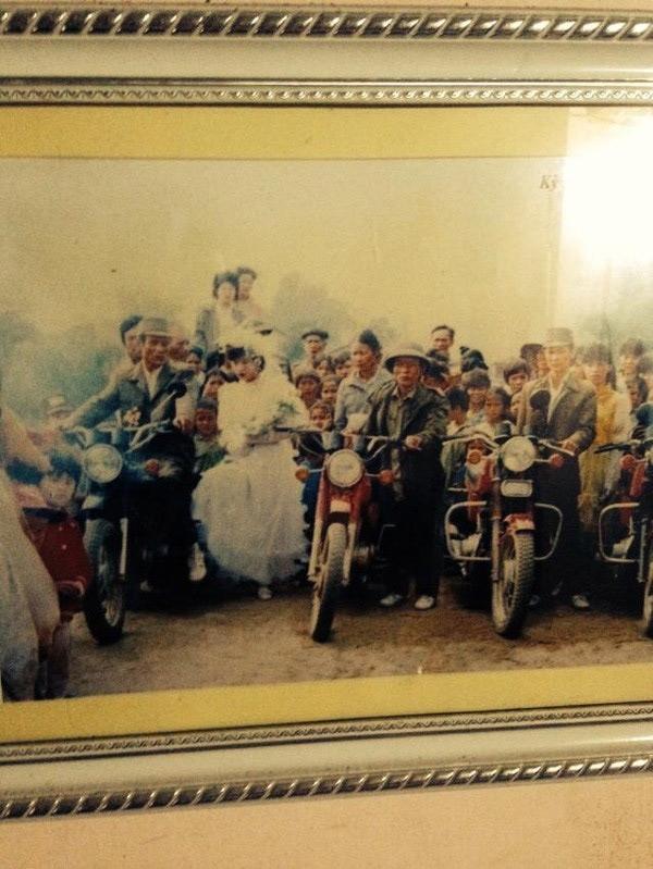 Xe rước dâu phổ biến trong đám cưới ngày xưa thường là xe đạp hoặc đi bộ.