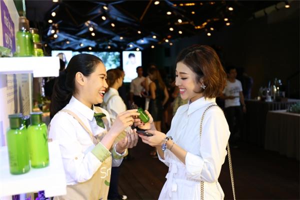 Yumi Dương cũng có mặt tại sự kiện nói trên. - Tin sao Viet - Tin tuc sao Viet - Scandal sao Viet - Tin tuc cua Sao - Tin cua Sao