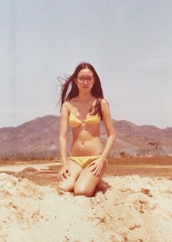 Ngọc Trinh cũng phải e ngại khi nhìn mỹ nhân Việt xưa diện bikini