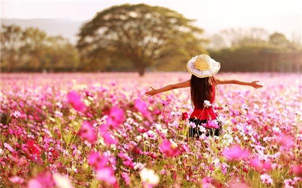 Cùng refresh lại bản thân và đón tháng 10 rực rỡ sắc hồng nhé cô gái!