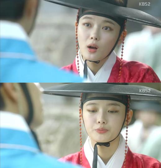 Thái giám Hong sở hữu khuôn mặt xinh đẹp và có phần hiện đại quá mức so với dòng phim cổ trang.