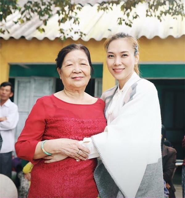 Mỹ Tâm xúc động gửi lời xin lỗi đến mẹ nhân ngày sinh nhật - Tin sao Viet - Tin tuc sao Viet - Scandal sao Viet - Tin tuc cua Sao - Tin cua Sao