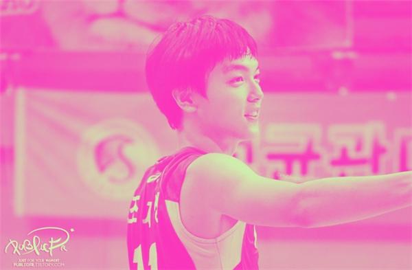 Anh chàngtên là Jo Jae Sung, sinh năm 1995 tại Busan, Hàn Quốc.