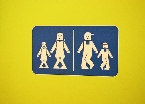 Nhà vệ sinh phong cách Lego.