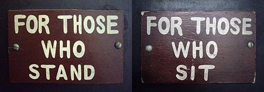 """""""Ngồi"""" và """"Đứng"""" - 2 hành động, 2 giới tính."""