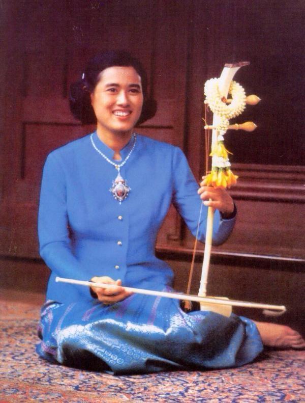 Chuyện chưa kể về nàng công chúa thiên thần của triệu người Thái Lan