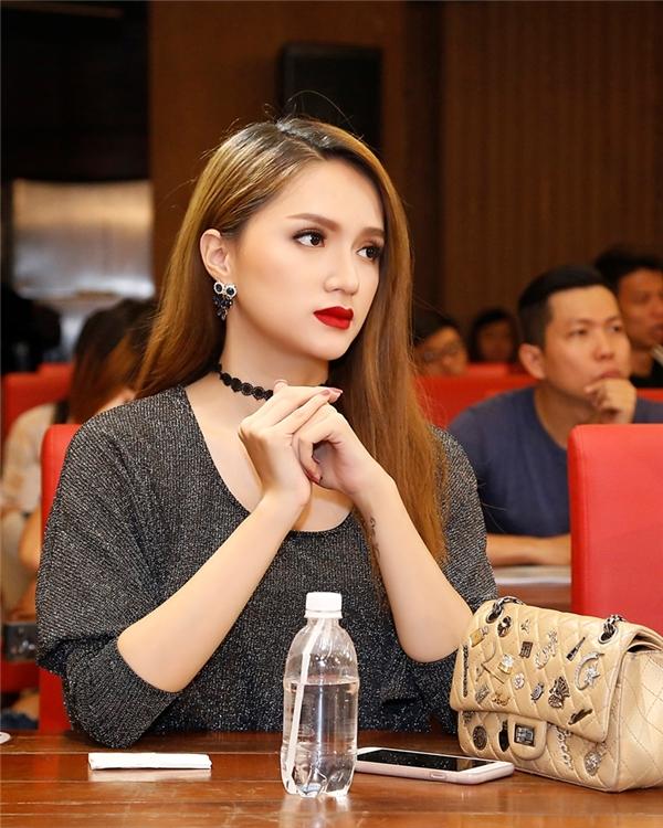 Phát hờn trước vóc dáng hoàn hảo, đáng mơ ước của Hương Giang Idol