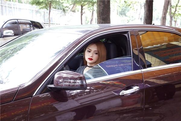 Với những bước tiến chậm mà chắc từ bệ phóng của Vietnam Idol, Hương Giang Idol hiện là một trong những nhân tố tích cực trong các hoạt động giải trí được công chúng ghi nhận và yêu thích.