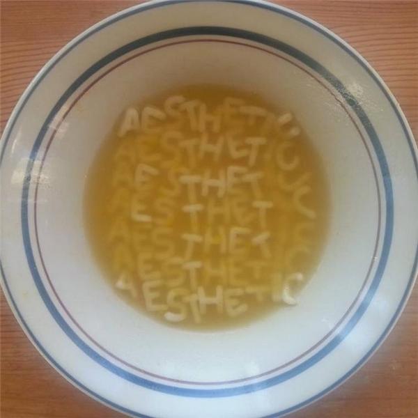 Một đĩa thức ăn thôi mà cũng đẹp đến thế.