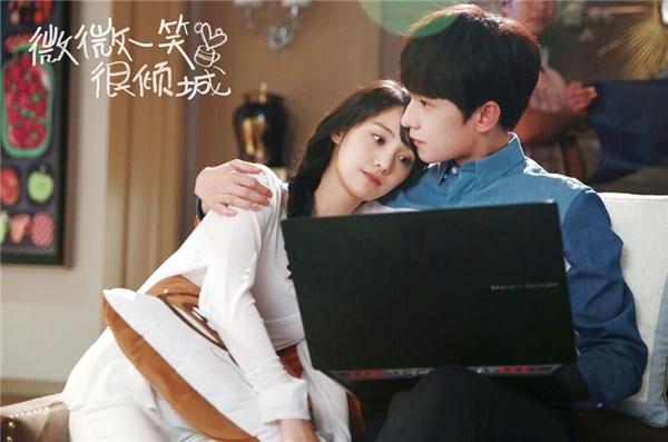 """Với gương mặt tuấn tú, nụ cười hút hồn và thần thái đĩnh đạc, Dương Dương đã """"đánh gục"""" hàng loạt fan nữ, trở thành một nhân tố quan trọng đem về thành công lớn cho bộ phim."""