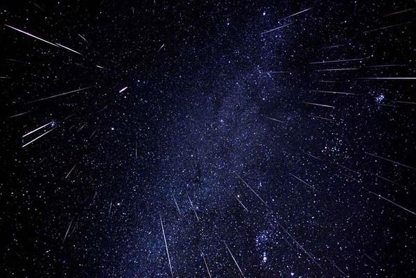 Hình ảnh của mưa sao băng Orionid năm 2014.