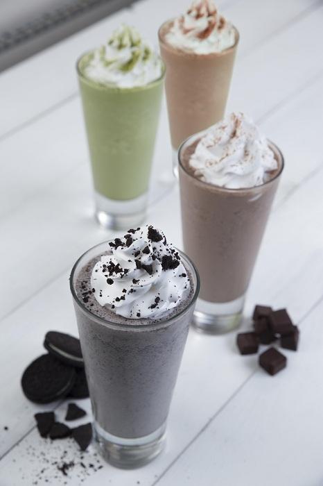 Bộ tứ đá xay Cookies, Matcha, Dark Chocolate và Caramen có mặt đầy đủ tại Shalala.