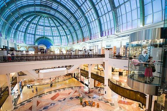 Diện tích của Apple Store này rộng đến 4.645 mét vuông. (Ảnh: internet)