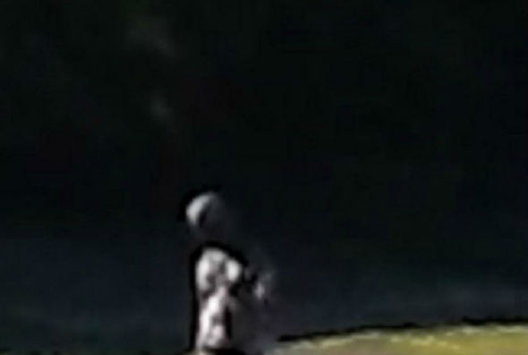 Hình ảnh được John Moonerchụp lại, khẳng định đây chính là một người ngoài hành tinh.