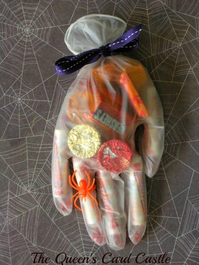 Ý tưởng tuyệt vời khi bạn không biết trang trí túi quà tặng cho khách như thế nào.(Ảnh: Viral Nova)