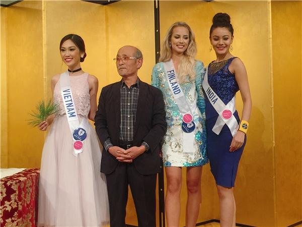 Phương Linh mang quà quý từ Việt Nam đến Hoa hậu Quốc tế 2016