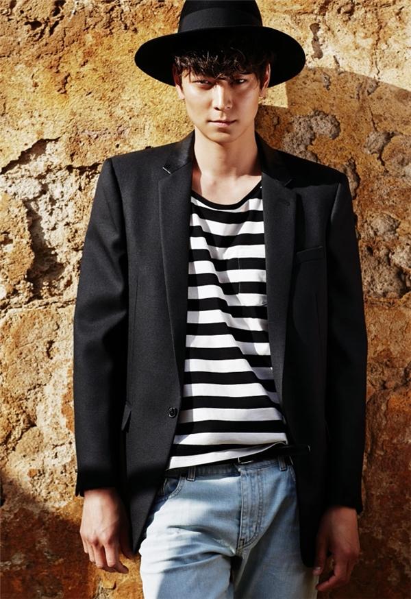 Kang Dong Won vẫn nổi tiếng là một quý ông độc thân vui vẻ. (Ảnh: Internet)