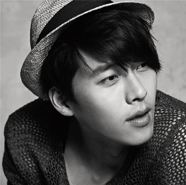 Hyun Bin quá đam mê công việc và bận rộn để có thể hẹn họ với ai đó. (Ảnh: Internet)