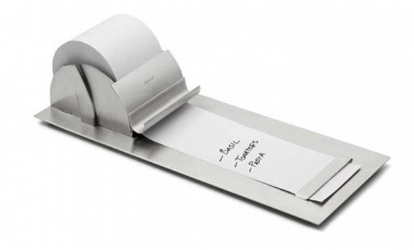 Cuộn giấy ghi nhớ: Với cuộn giấy này, danh sách những việc cần làm của bạn dài tới đâu thì bạn xé giấy tới đó.