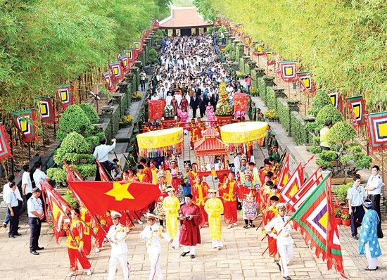 Lịch nghỉ Giỗ tổ Hùng Vương cũng có hai phương án.