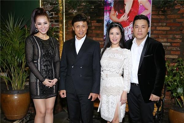 Thu Minh, Hà Hồ và dàn sao Việt cùng hát, gây quỹ giúp miền Trung - Tin sao Viet - Tin tuc sao Viet - Scandal sao Viet - Tin tuc cua Sao - Tin cua Sao