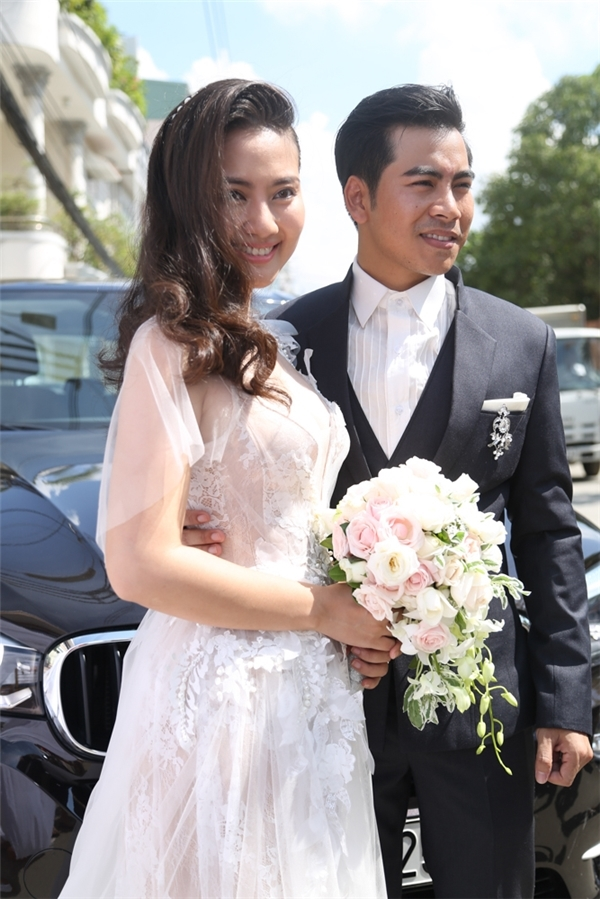 Có lẽ ngày 20/10 năm nay sẽ là một kỉ niệm đáng nhớ của hai vợ chồng Ngọc Lan và Thanh Bình khi cặp đôi sẽ nắm tay nhau, chính thức đăng kí kết hôn tại Uỷ ban phường. - Tin sao Viet - Tin tuc sao Viet - Scandal sao Viet - Tin tuc cua Sao - Tin cua Sao