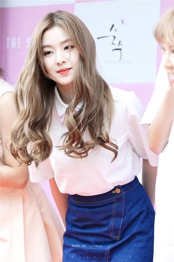 Làn da trắng mịn, nụ cười ngọt ngào đã giúp Irene luôn chiếm được cảm tình của người hâm mộ.