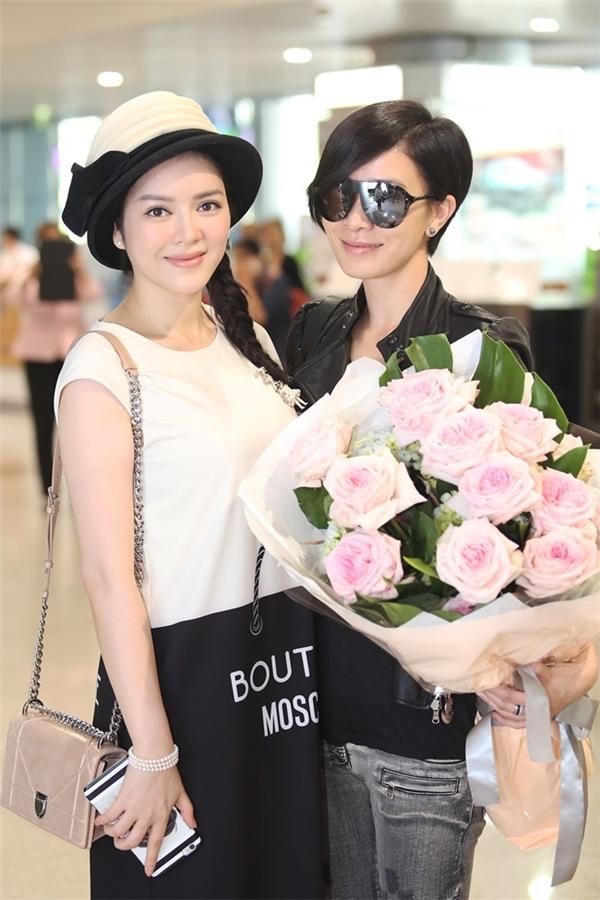 Đi mua sắm cùng Xa Thi Mạn, Lý Nhã Kỳ lên báo Hồng Kông - Tin sao Viet - Tin tuc sao Viet - Scandal sao Viet - Tin tuc cua Sao - Tin cua Sao