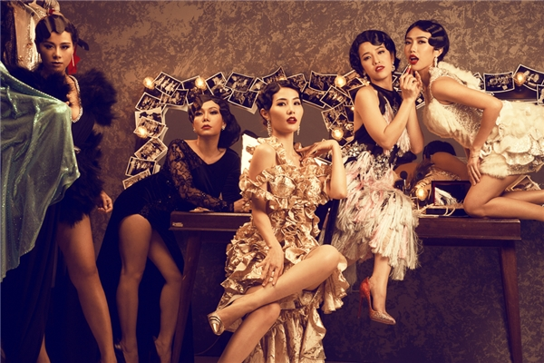 Chạy đi rồi tính là bộ phim chiếu Tết đánh dấu sự hợp tác cùng nhau giữa các diễn viên xinh đẹp và đầy tài năng như Việt Hương, Diễm My 9X, Diệu Nhi, Nam Thư và Puka. - Tin sao Viet - Tin tuc sao Viet - Scandal sao Viet - Tin tuc cua Sao - Tin cua Sao
