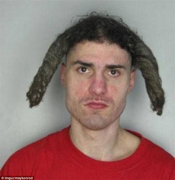 Hẳn thợ căt tóc của chàng trai này là fan ruột của Ngưu Ma Vương.