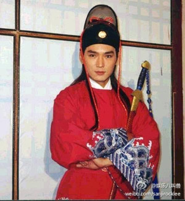 Anh được xem là Ngự Miêu đẹp trai nhất trong các bộ phim về Bao Thanh Thiên.