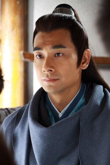 Triệu Văn Trácvào vai Triển Chiêu trong phim 7 kiếm khách và 5 hiệp sĩ năm 2011.