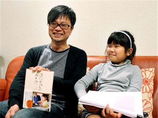 Câu chuyện của Hana và mẹ đã được viết thành sách, thậm chí được dựng thành phim, ra mắt năm 2014, với tên gọi Hana's Miso Soup.