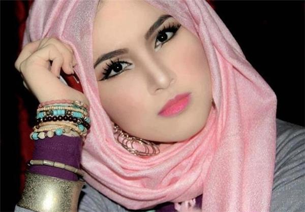 Cô dâu 28 tuổi bị chồng mới cưới ly dị sau khi vô tình lộ mặt mộc