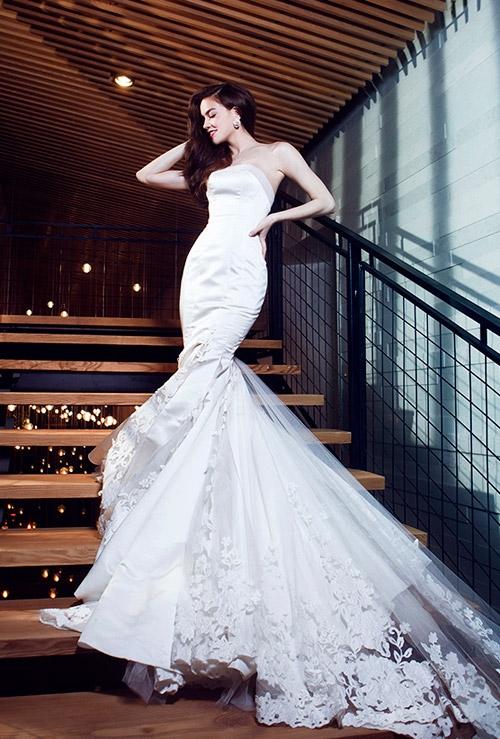 Khi những bà mẹ hot nhất Vbiz đọ sắc với váy cưới