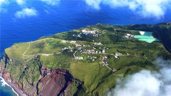 Mãi đến 50 năm sau, người dân mới dám quay lại đảo để sinh sống.