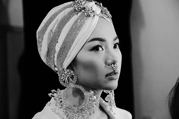 Thời gian tập nhảy của Minh Hằng có khi đến 12 giờ đêm vì lịch trình của cô khá dày đặc. - Tin sao Viet - Tin tuc sao Viet - Scandal sao Viet - Tin tuc cua Sao - Tin cua Sao